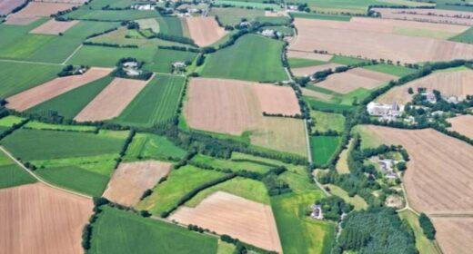 Vue aérienne paysage agricole Bassin versant du Coët Dan à Kervidy
